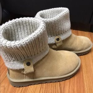 Authentic Ugg boot size 6